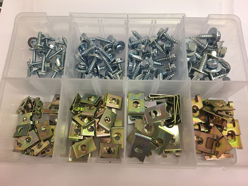 ASSORTED BOX OF HEX HEAD SCREWS /& CLIPS 8-14 X 3//4